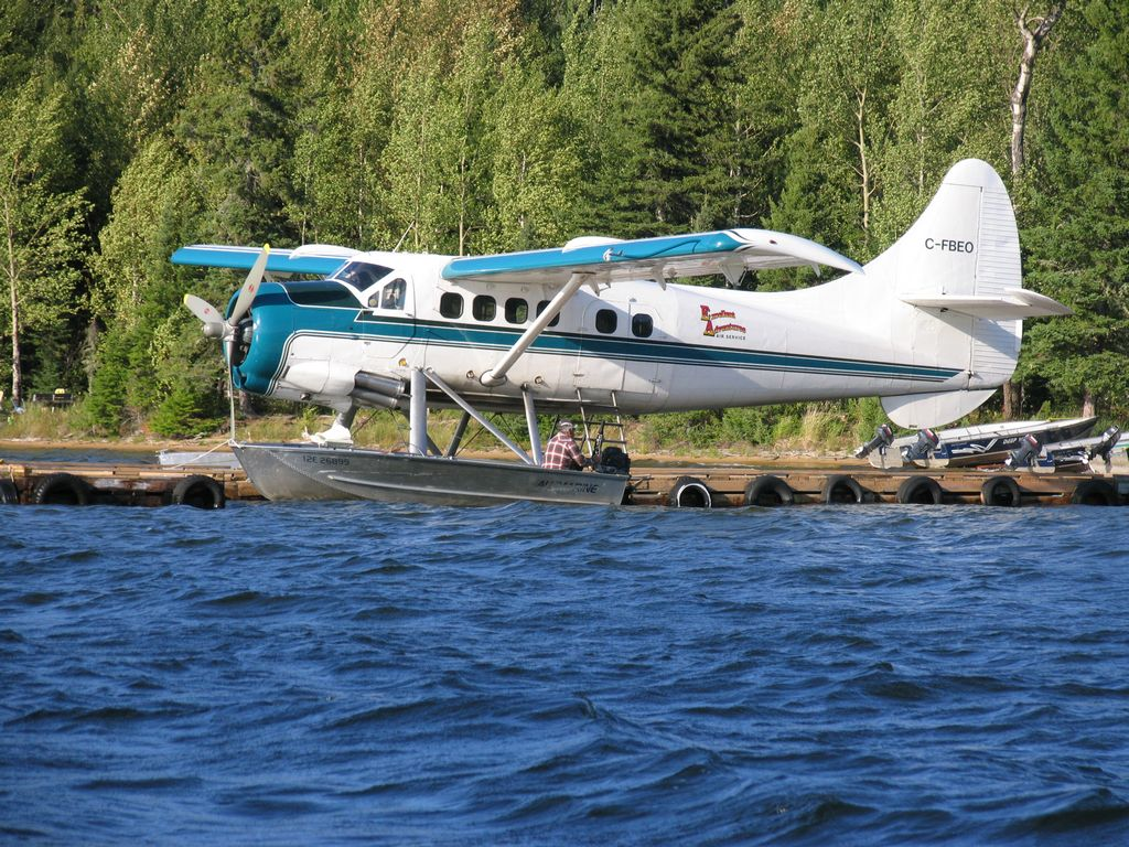 Charter float plane red lake ear falls ontario canada for Canadian fly in fishing