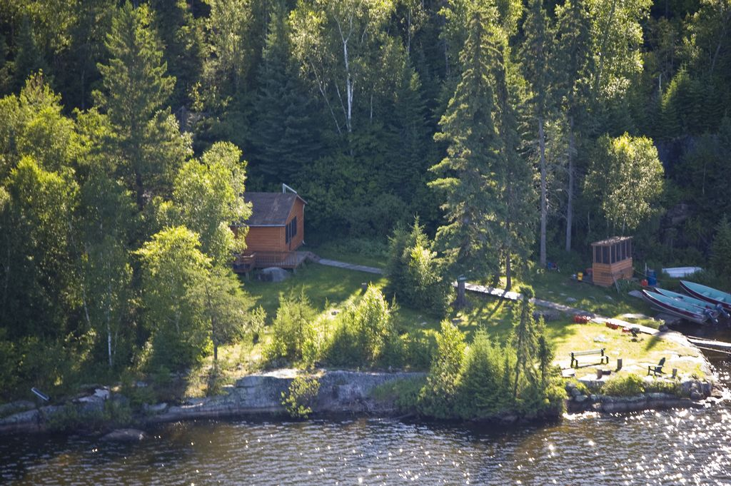 Remote outpost fly in fishing rates for Canadian fishing trips cheap