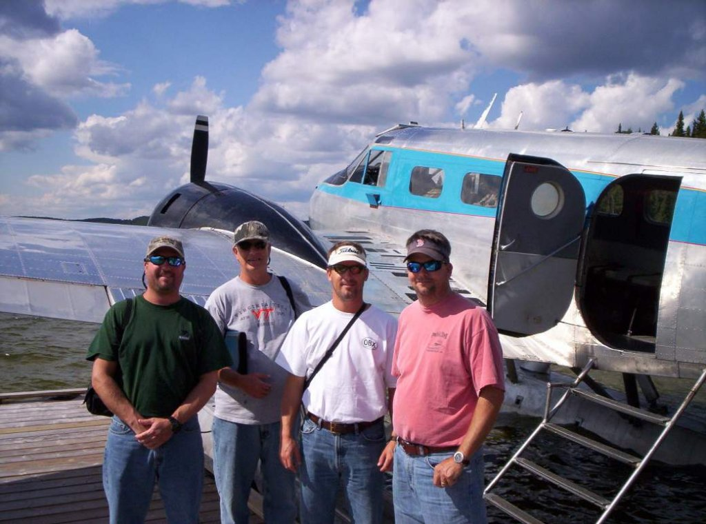 Charter float plane red lake ear falls ontario canada for Canada fly in fishing trips