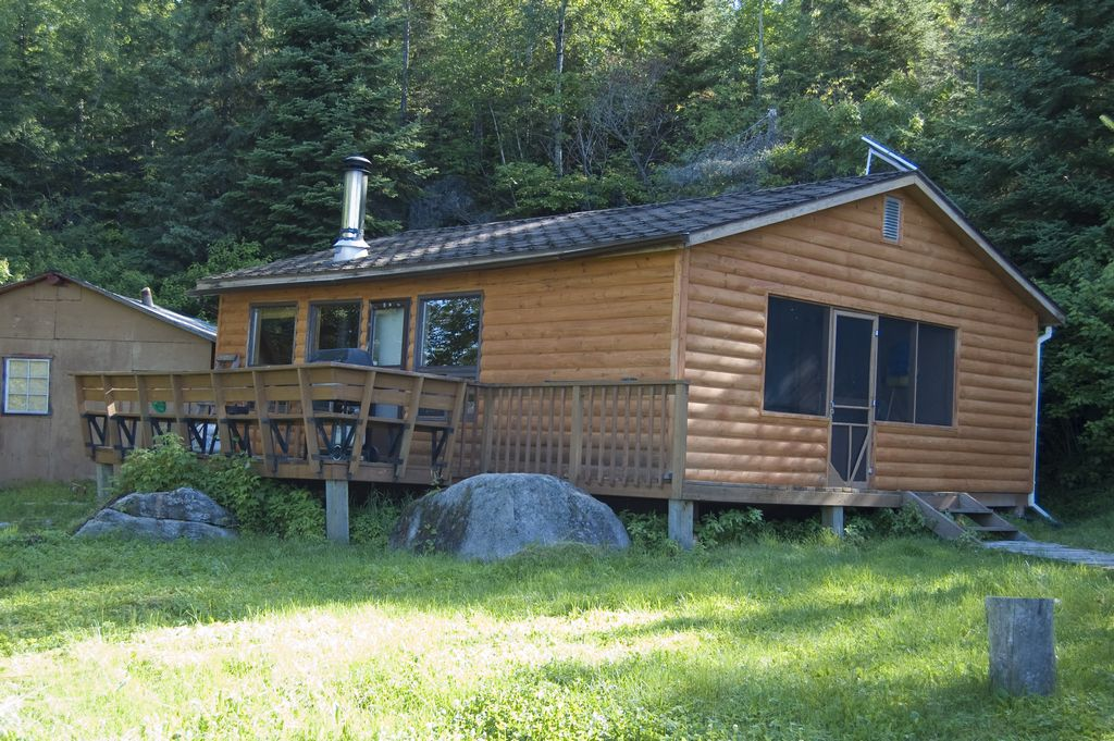 sumach lake two bedroom ontario fly in fishing lodge