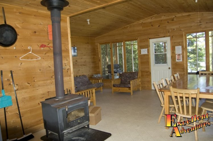 Heated fishing outpost cabin in Ontario's Sunset Country