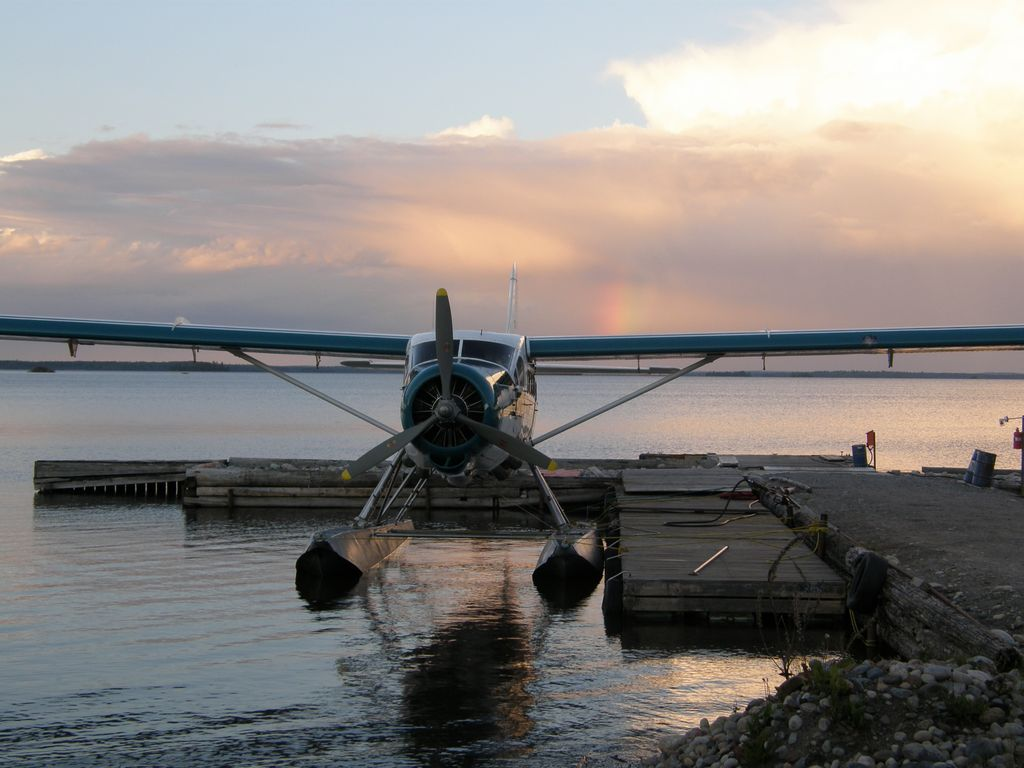 Charter float plane red lake ear falls ontario canada for Fly fishing raft
