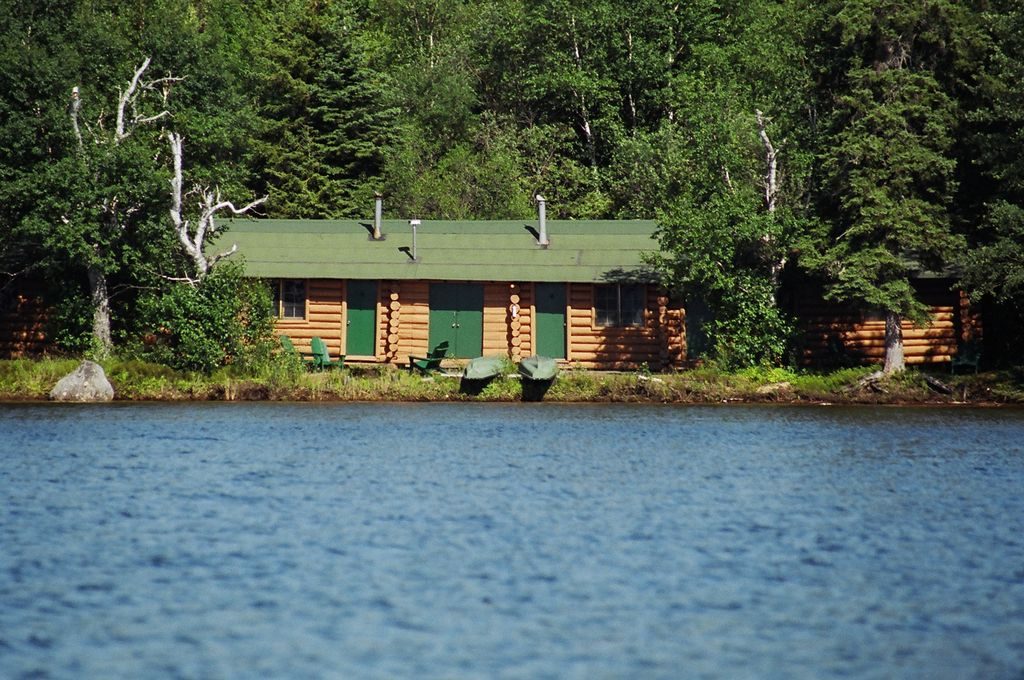 Image Gallery Lakeside Cabin